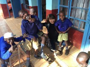 訪問した Red Cross in Embuで。