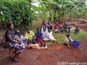 近隣住民を集めてエイズ啓発講習